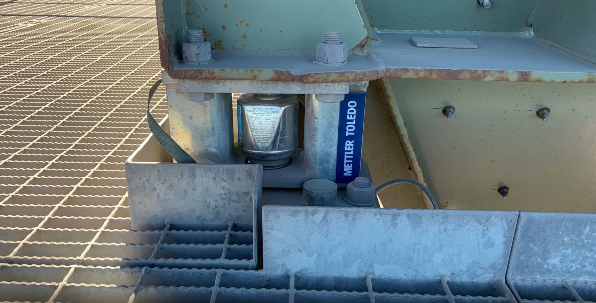 Load Out Bins – Load Cells for metring of crushed rocks into the trucks
